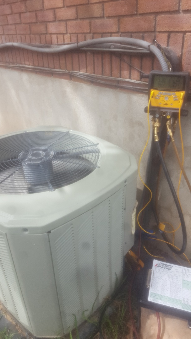 West Valley City, UT - Air conditioning check. On Trane unit.