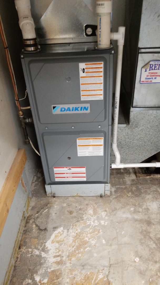Wabasha, MN - Air conditioning/furnace service on Daikin unit.