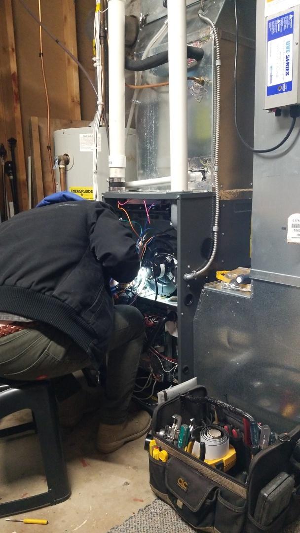 Roberts, WI - Daikin furnace service