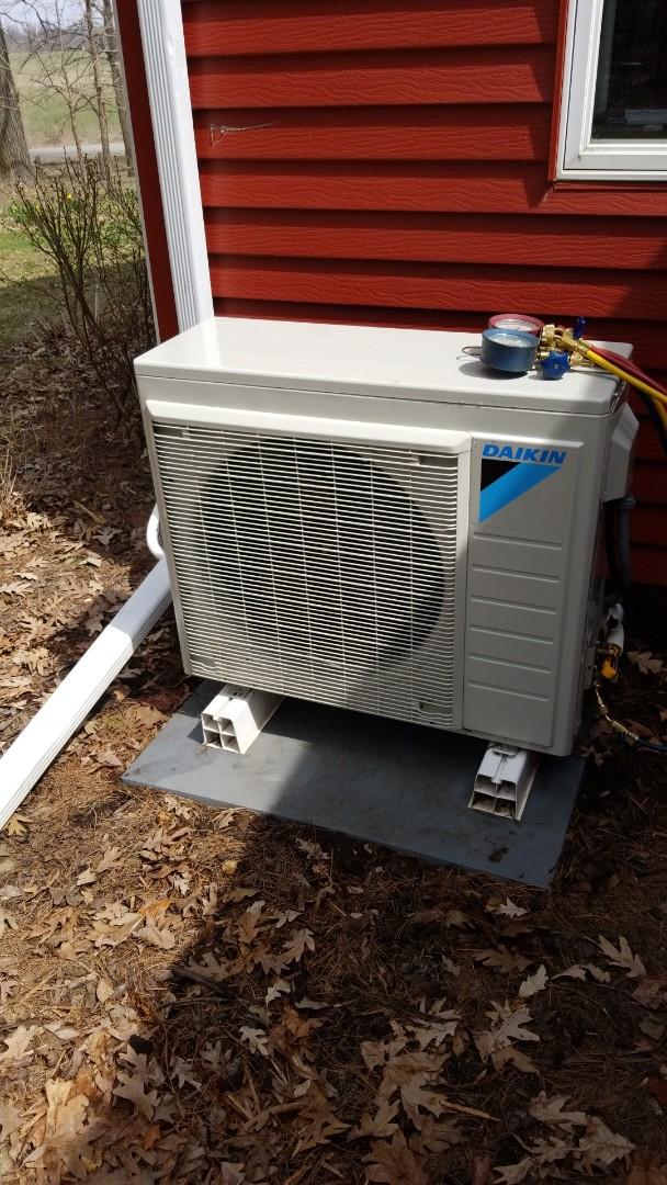 Woodbury, MN - Daikin mini split air conditioner service