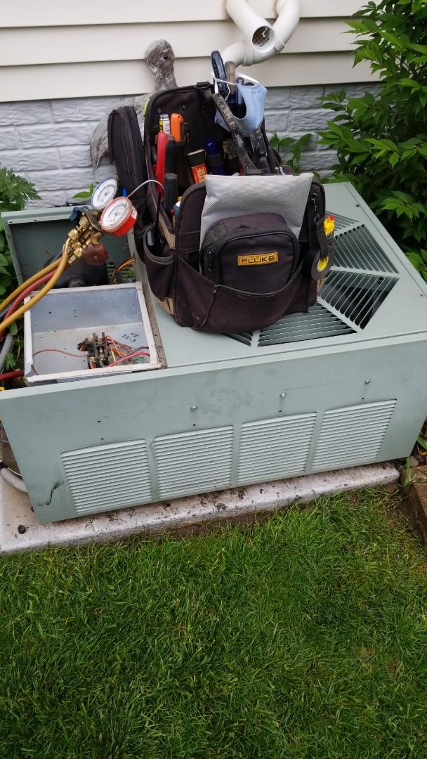 River Falls, WI - Rheem air conditioner service