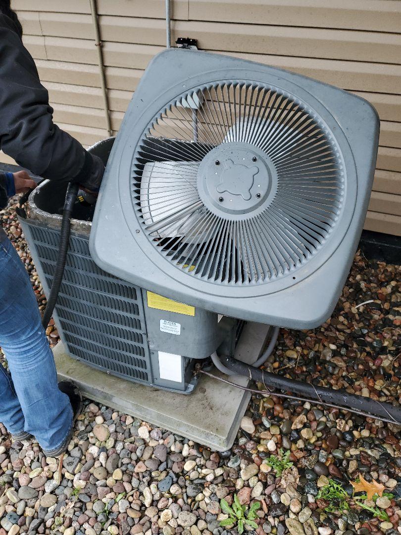 Prescott, WI - Goodman air conditioner service
