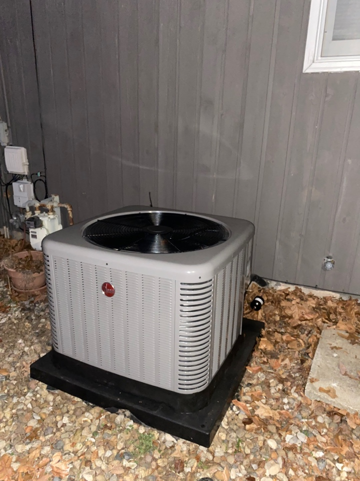 Fort Branch, IN - Startup on a new Rheem high efficiency air conditioner.