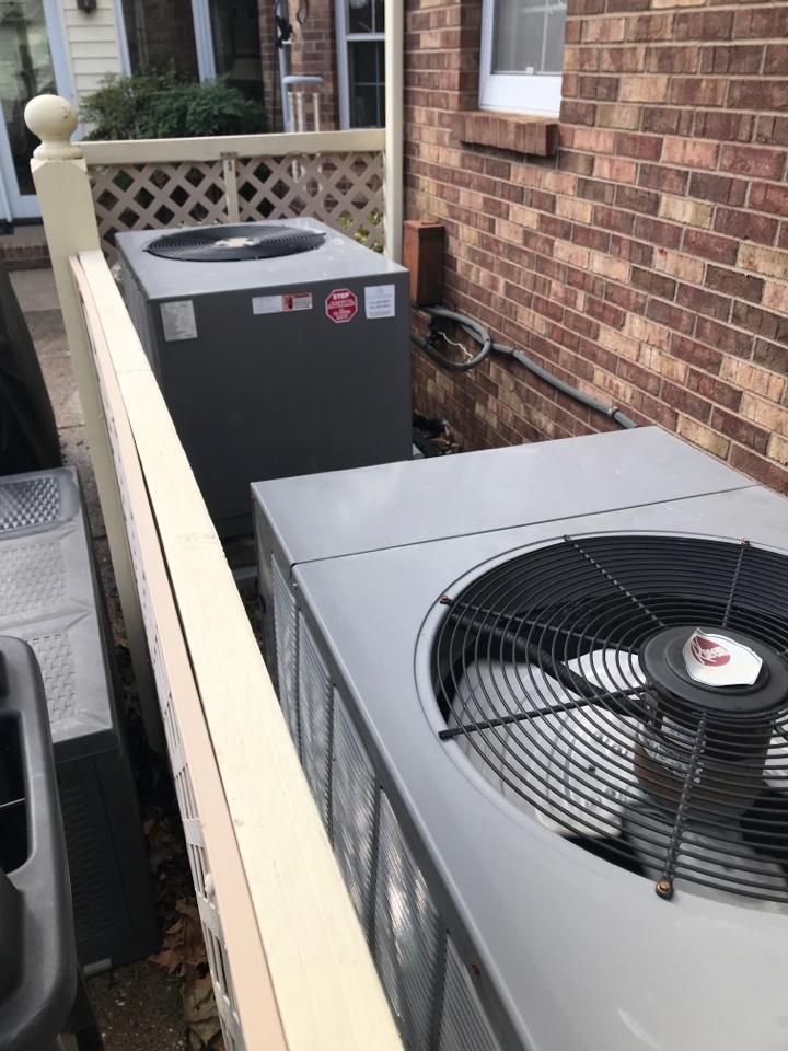 Newburgh, IN - Summer maintenance on 2 Rheem heat pumps.