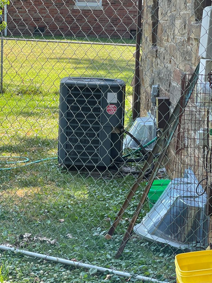 Evansville, IN - Chemically cleaned a Goodman air conditioner