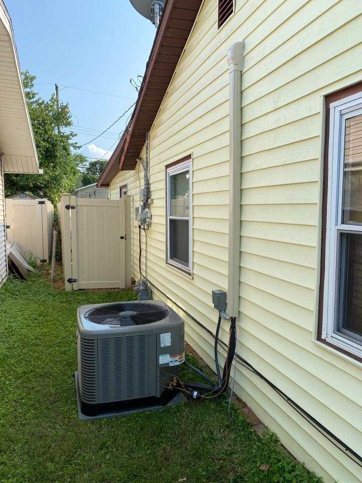Evansville, IN - Startup on new Rheem high efficiency air conditioner.
