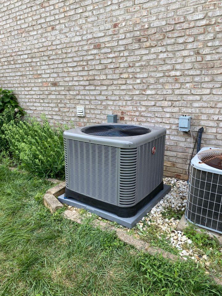 Newburgh, IN - Startup on Rheem air conditioner.