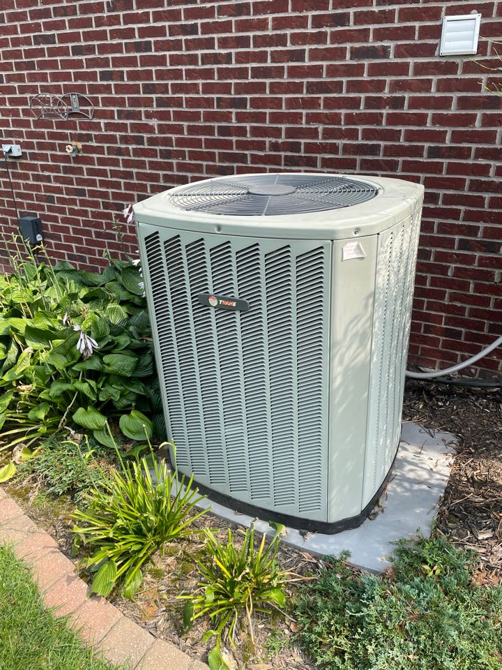 Evansville, IN - Repaired a trane air conditioner