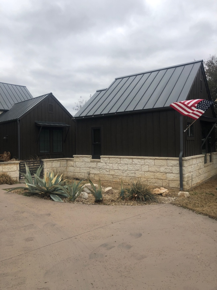 Horseshoe Bay, TX - Quoting a half round gutter replacement in horseshoe bay.