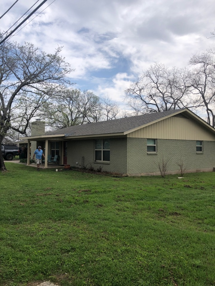 Marble Falls, TX - Quoting a flat roof repair and gutter install for a home in highland haven.