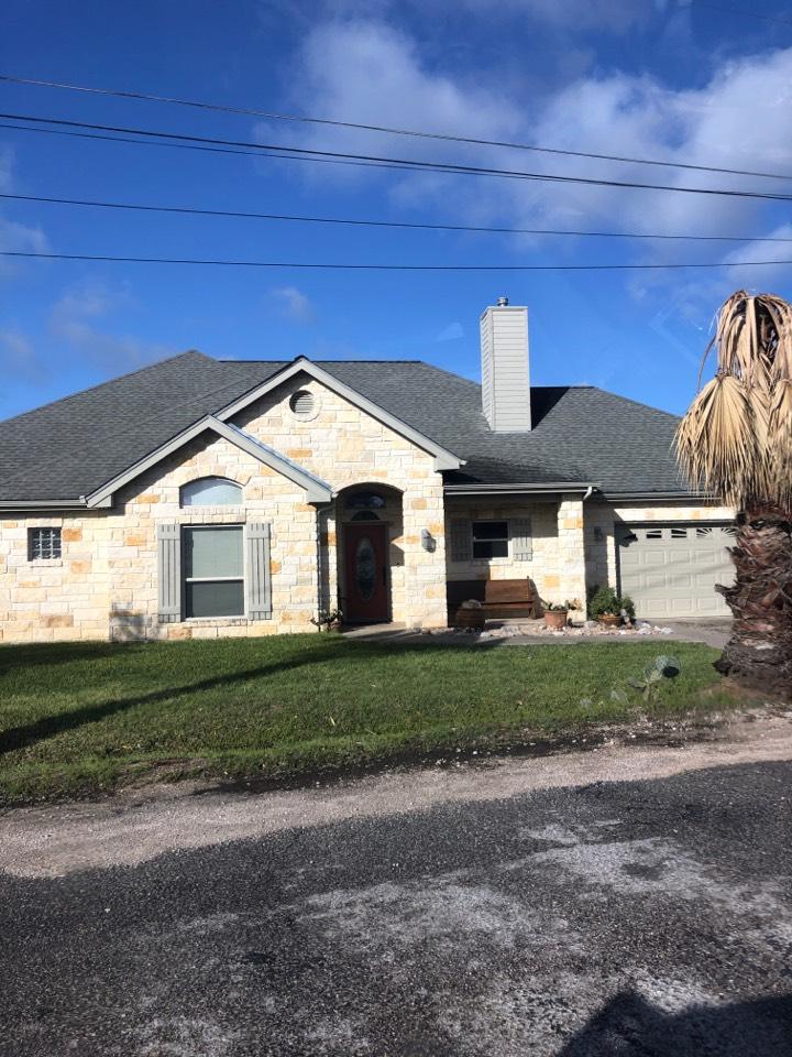 Horseshoe Bay, TX - Inspecting a single story laminated shingle roof in horseshoe bay today