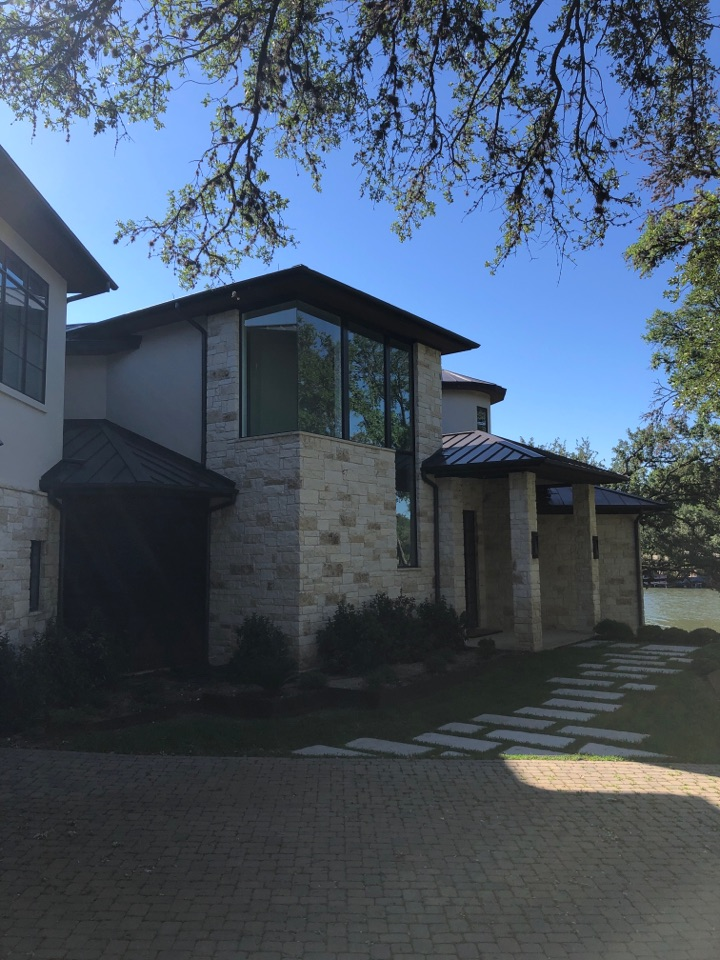 Horseshoe Bay, TX - Quoting a half round gutter replacement on a lake house in blue lake.