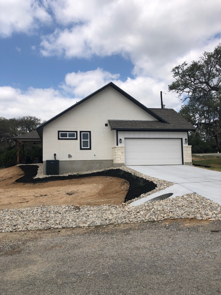"""Blanco, TX - New construction in blanco, quoting a 5"""" gutter system install with a leaf screen option."""