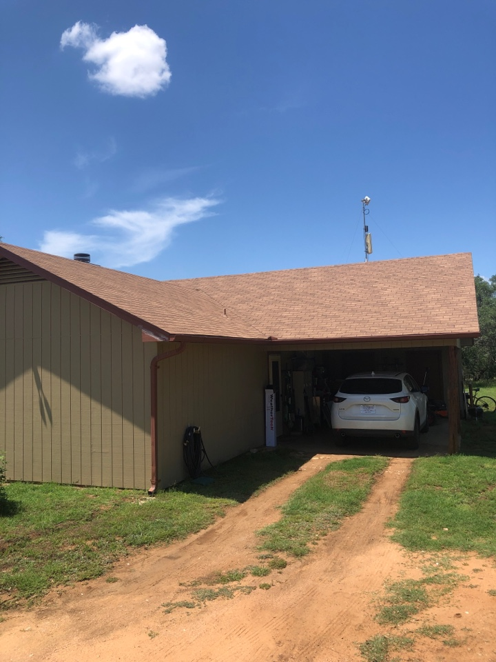 Llano, TX - Selling a roof replacement in llano.