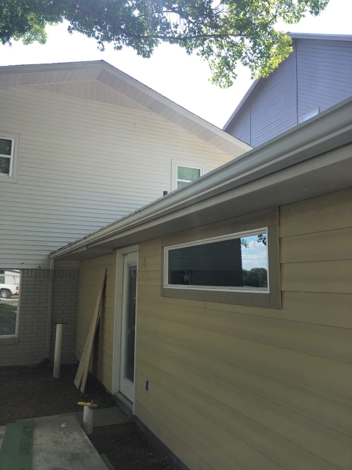 Marble Falls, TX - Quoting a gutter removal and replacement in kingsland