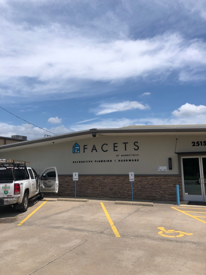 Marble Falls, TX - Leaking roof on a metal building in marble falls. Fixing the leak with an applied sealant.