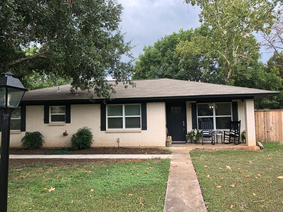 """Marble Falls, TX - Quoting a 6"""" gutter install with leaf screen and round downs in marble falls."""