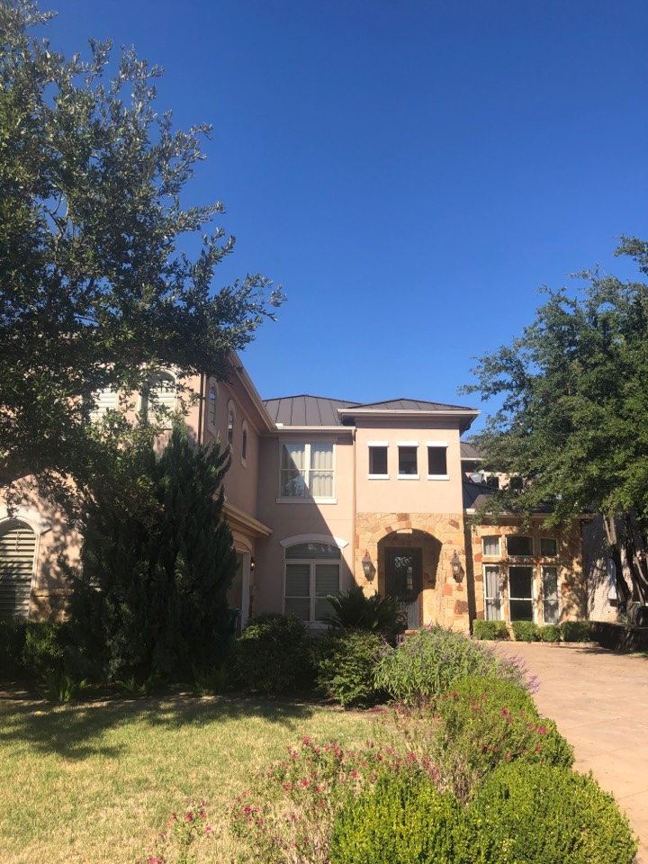 Horseshoe Bay, TX - Quoting a gutter clean out on a 2 story home in Horseshoe Bay. Insurance claim.