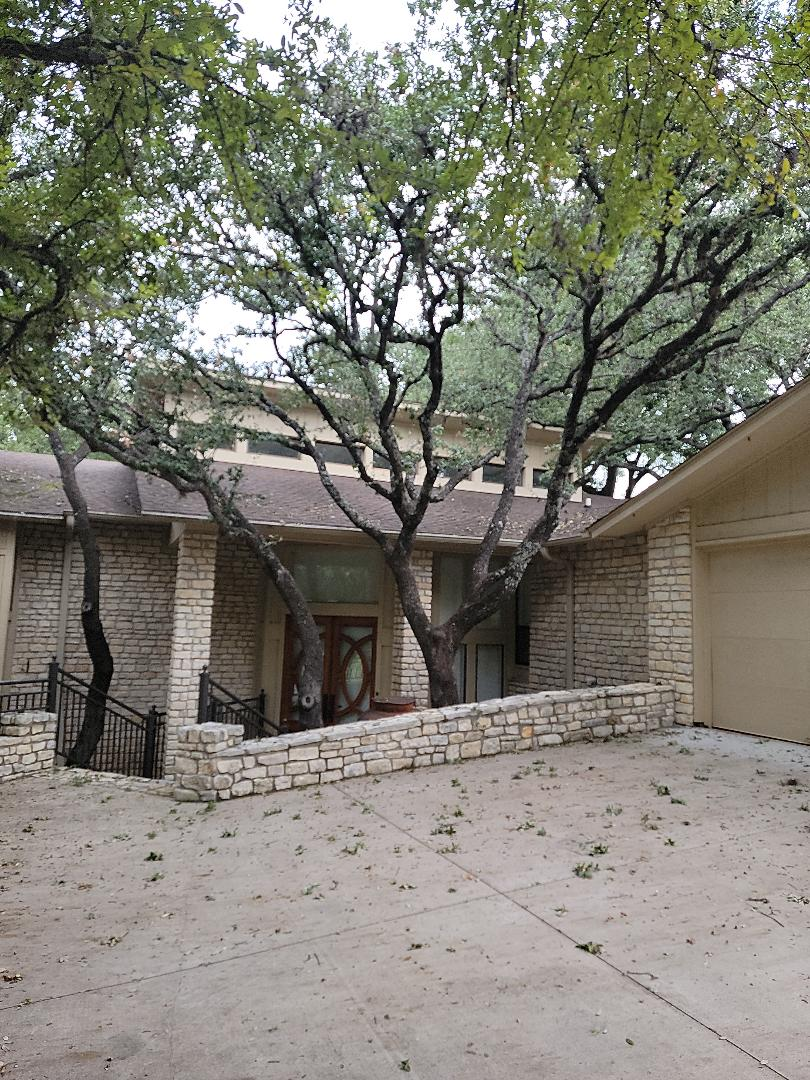 Horseshoe Bay, TX - Storm damage to gutters. Gutter estimate and roof inspection