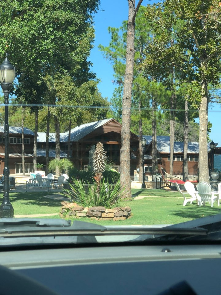 """Buchanan Dam, TX - Quoting a 6"""" gutter removal and install with leaf screen on a vacation property in Buchanan dam."""