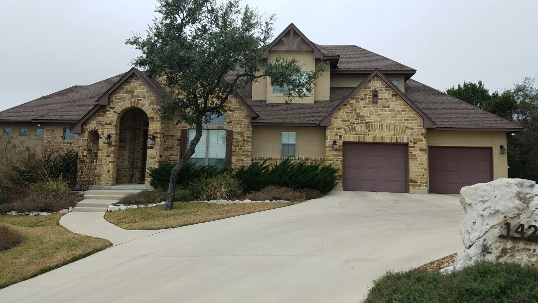 Helotes, TX - Submitting contract Owens Corning Duration roof to repair hail damage