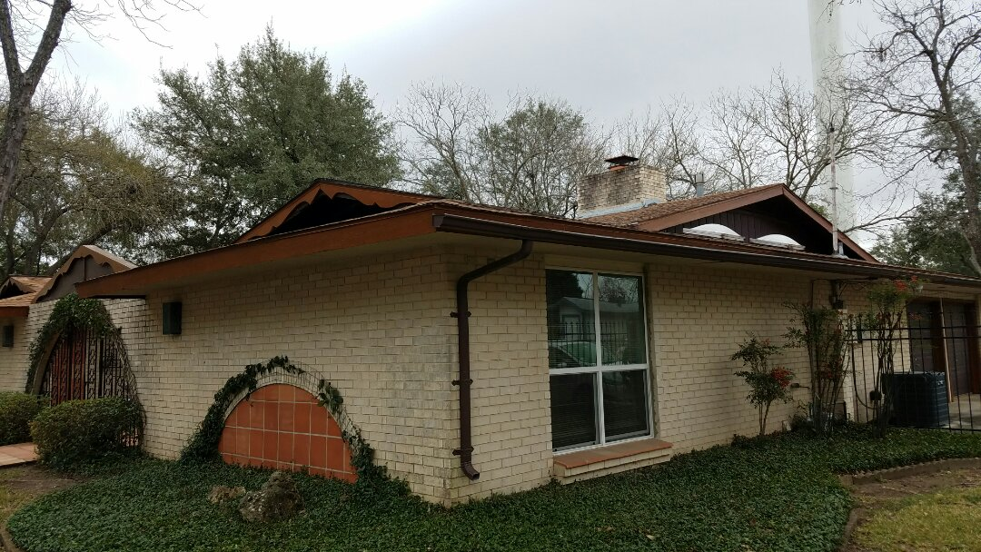 Helotes, TX - Free hail damage roofing estimate