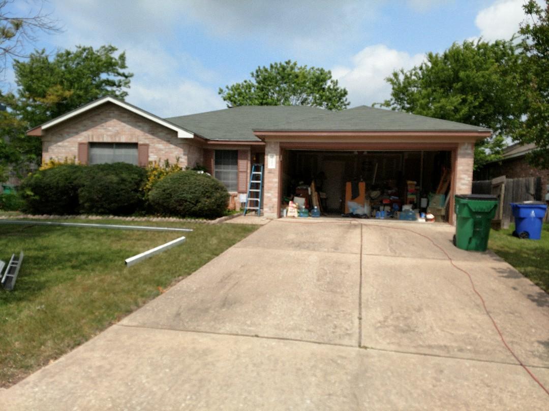 """Cedar Park, TX - 5"""" seamless Gutter installation."""