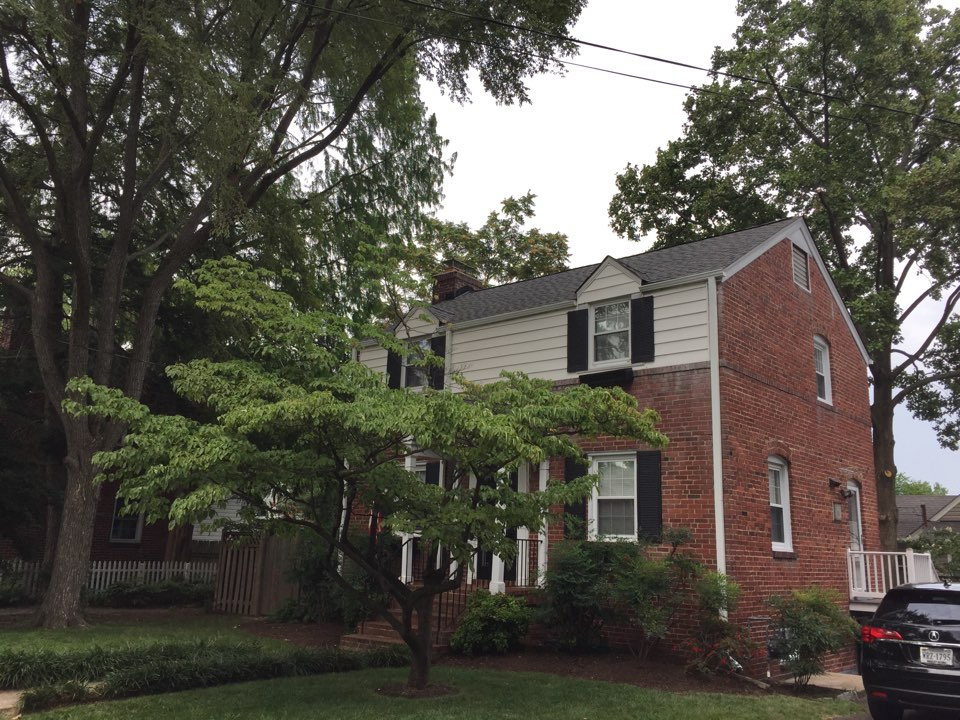 Arlington, VA - New GAF timberline HD shingle roof in Williamsburg slate with new gutters, downspouts and gutter guards.
