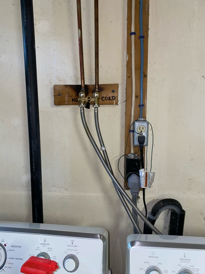 Bristol, CT - Watts single handle laundry valve replacement. Level piping and no leaks, another satisfied customer!