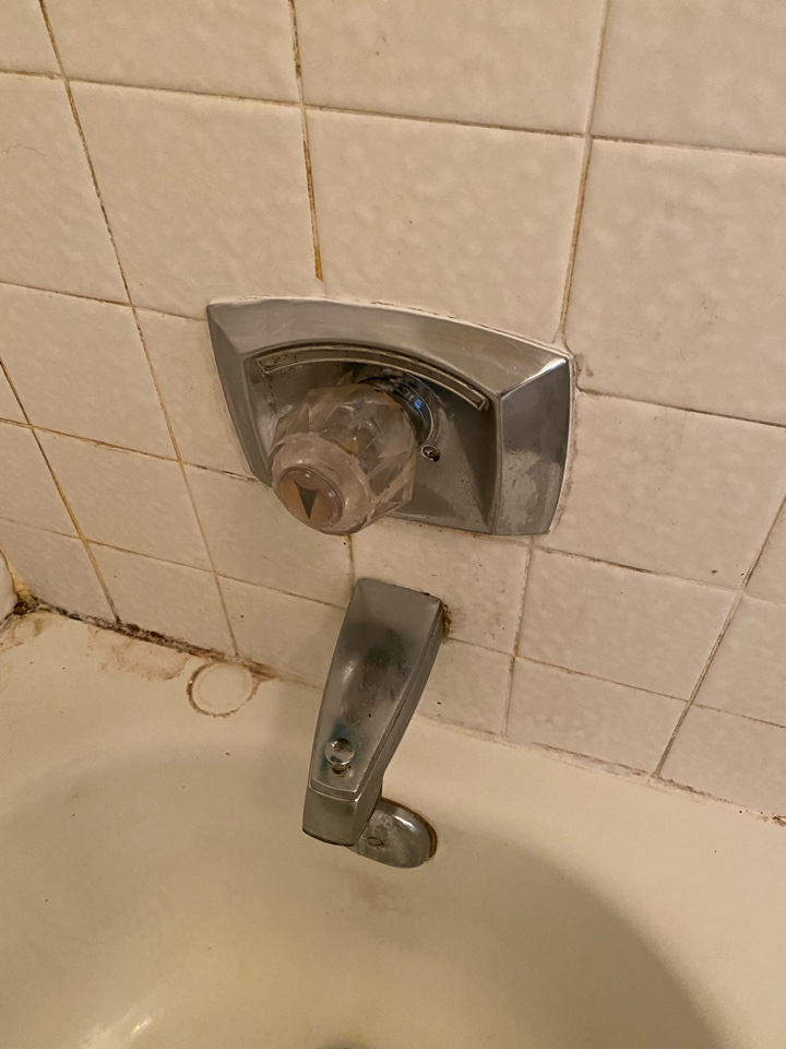 Middletown, CT - Replace replaced delta scold guard cartridge inside of a tub and shower valve.