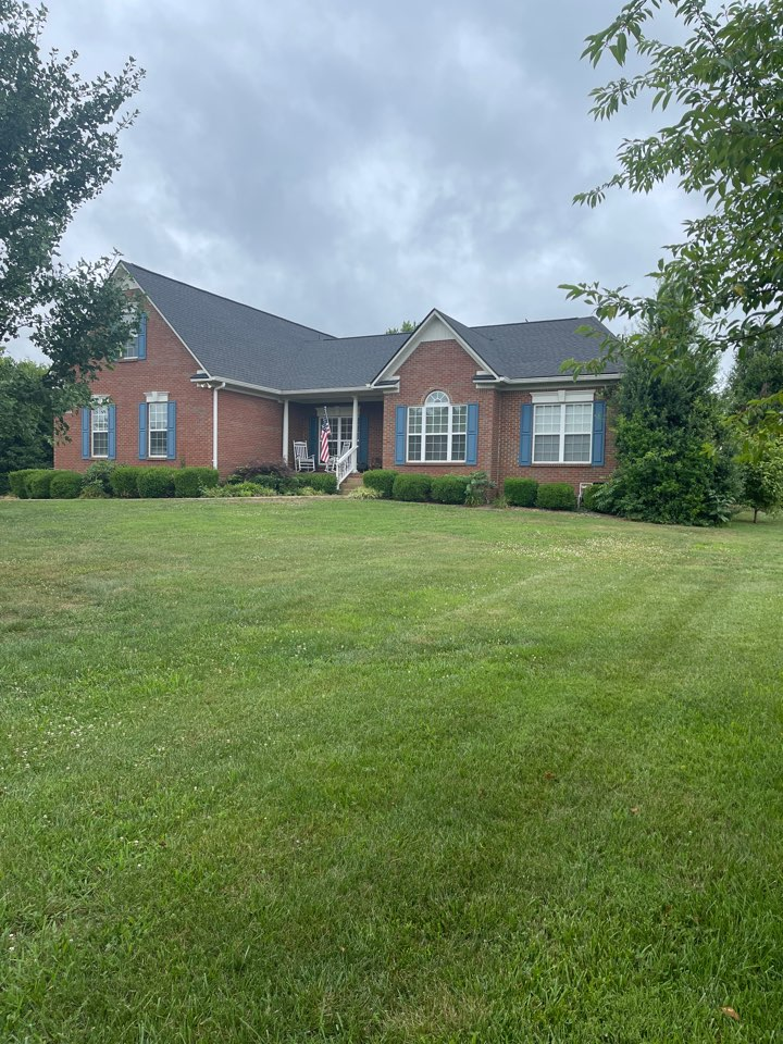 Columbia, TN - Just completed a new GAF timberline HDZ charcoal on this beautiful home off of Carters Creek.