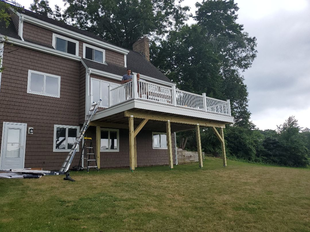 Glastonbury, CT - New Azek deck with PVC trim and Trademark railings