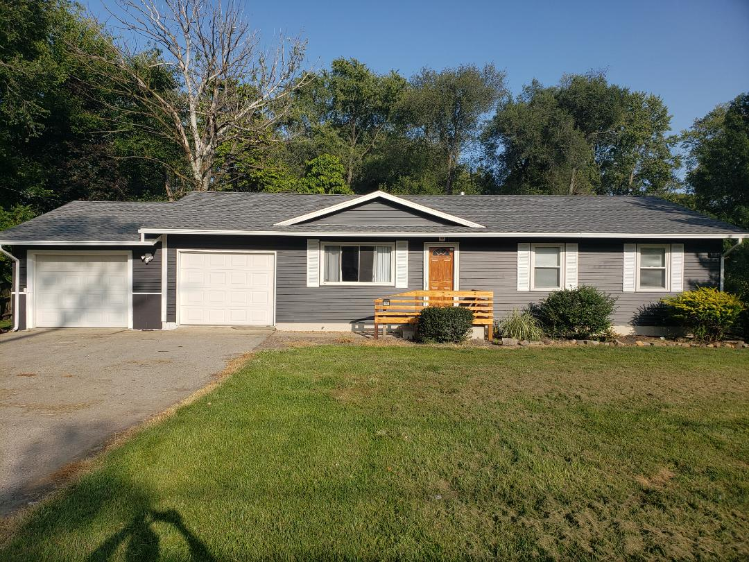 Danville, IL - Finished up asphalt shingle roof, vinyl siding, and seamless gutters