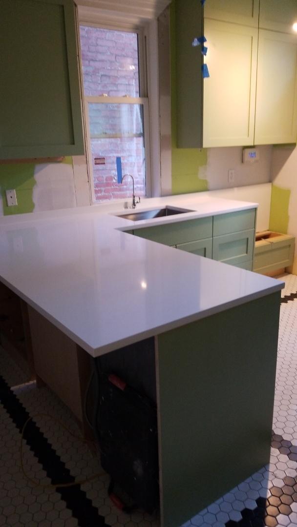 Washington, DC - New Super White countertops on new cabinets