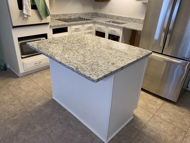 District 8, MD - Level 1 Granite - Dallas White