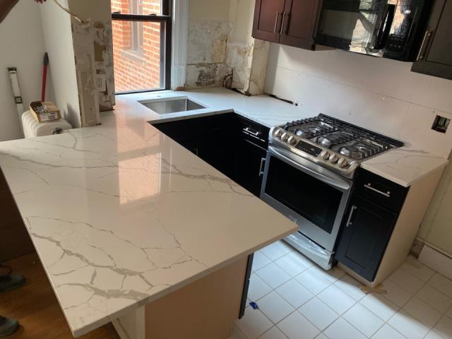 Rockville, MD - Beautiful Calacatta Laza countertops