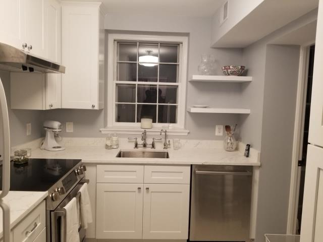 Washington, DC - Quartz- Calacatta Siena countertops