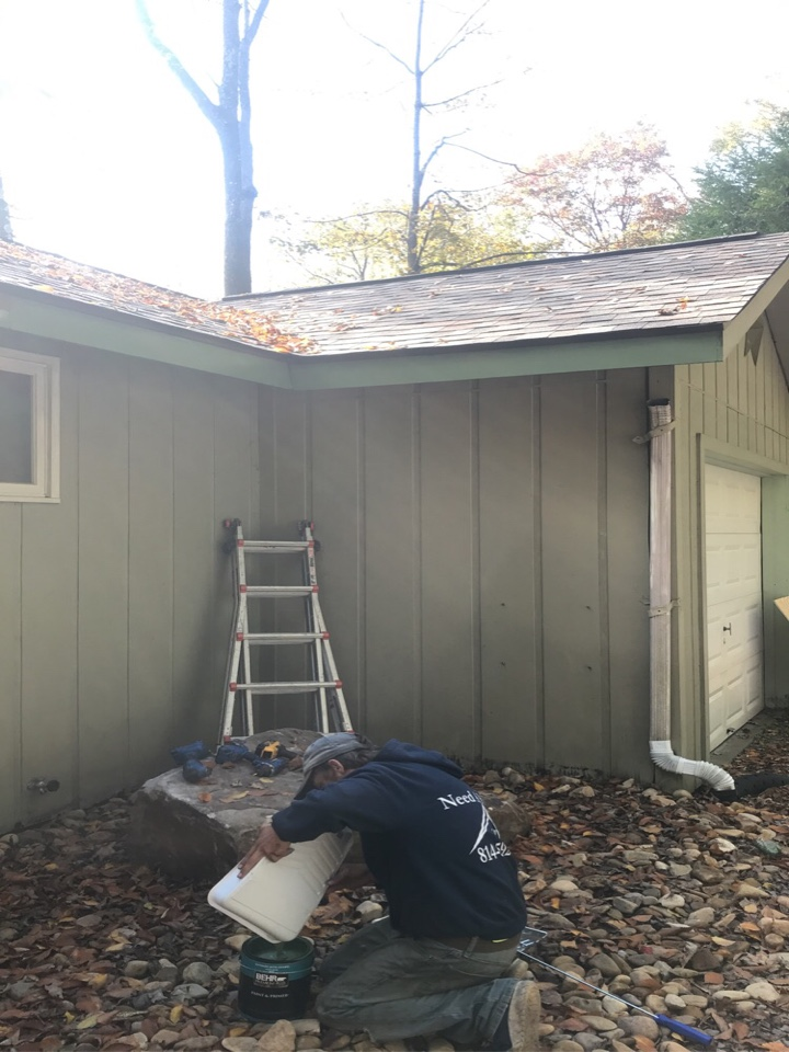 Stoystown, PA - Wood fascia and soffit repair. Fascia and soffit painted