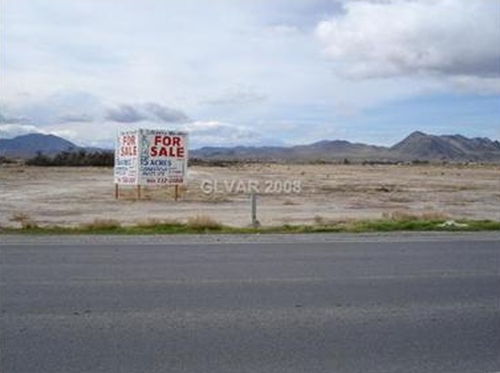 Pahrump, NV - 8.24 acres This is a 1512 square foot, 5 bedroom, vacant land home. It is located at 300 N Leslie St Pahrump, Nevada.