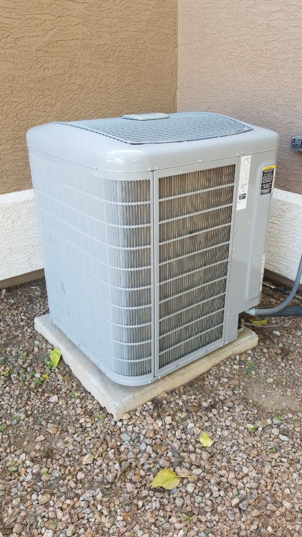Gilbert, AZ - Working on a heatpump tune up for a family in Gilbert.
