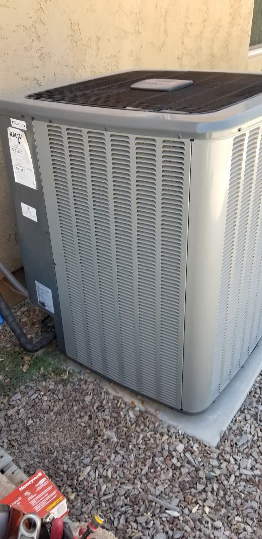 Gilbert, AZ - Working on Amana heatpump
