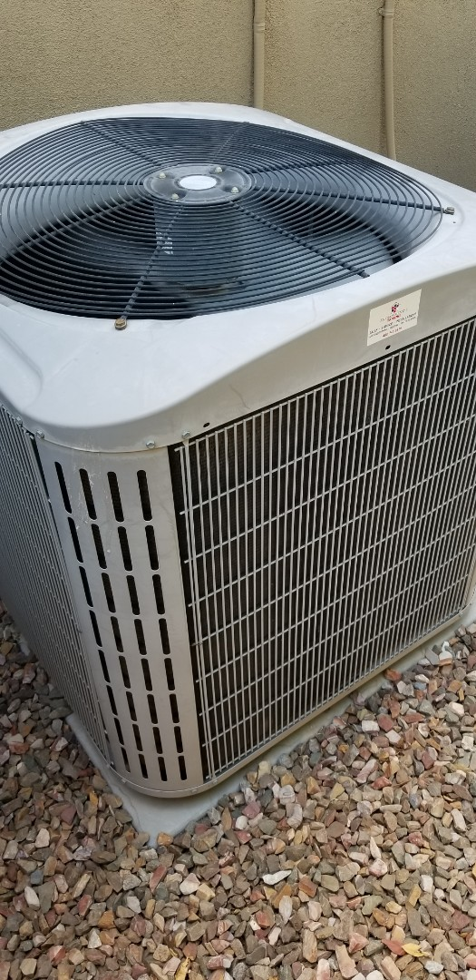 Chandler, AZ - Checking a Carrier air conditioner