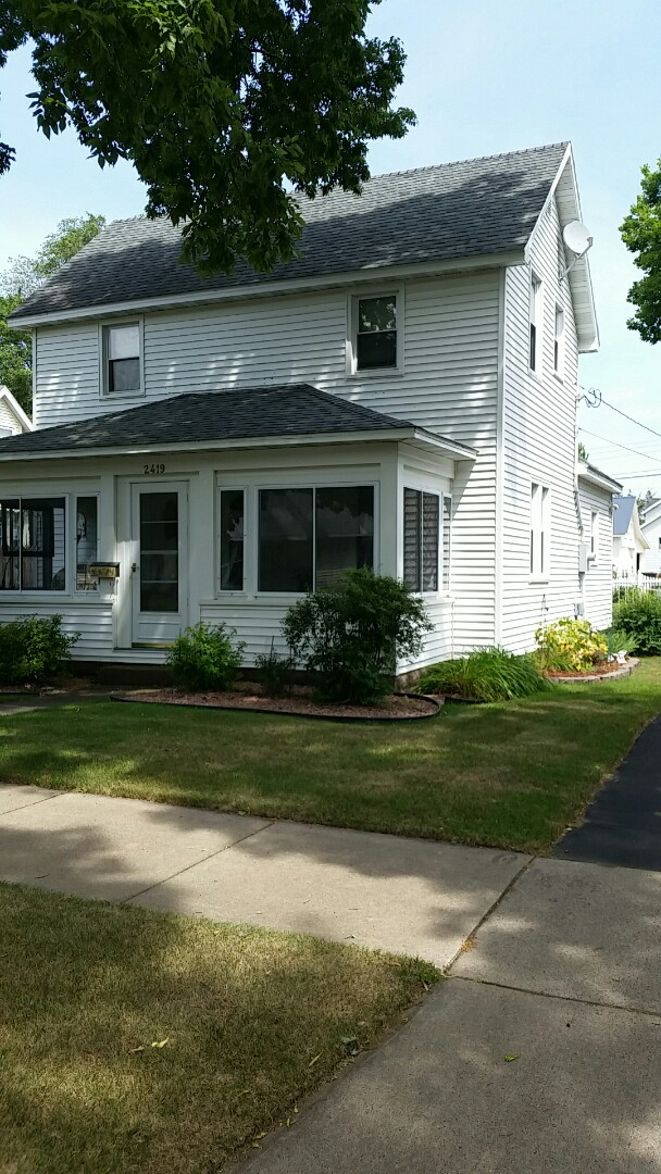 Menomonie, WI - Installation of ABC Seamless Facia style gutter and downspout