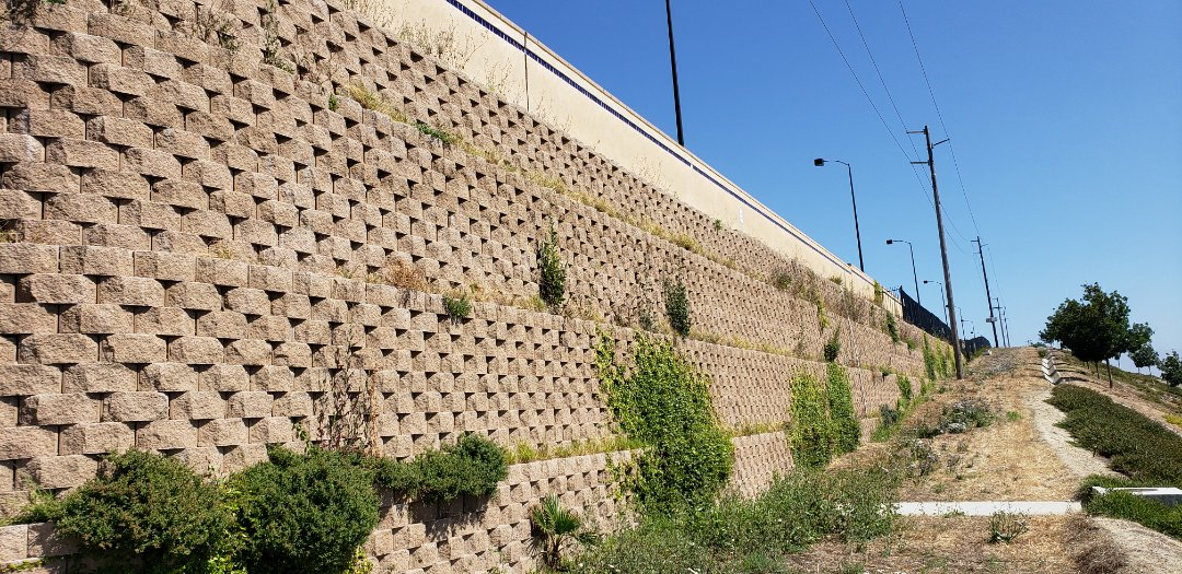 Oceanside, CA - Retaining wall setting and starting to rotate.