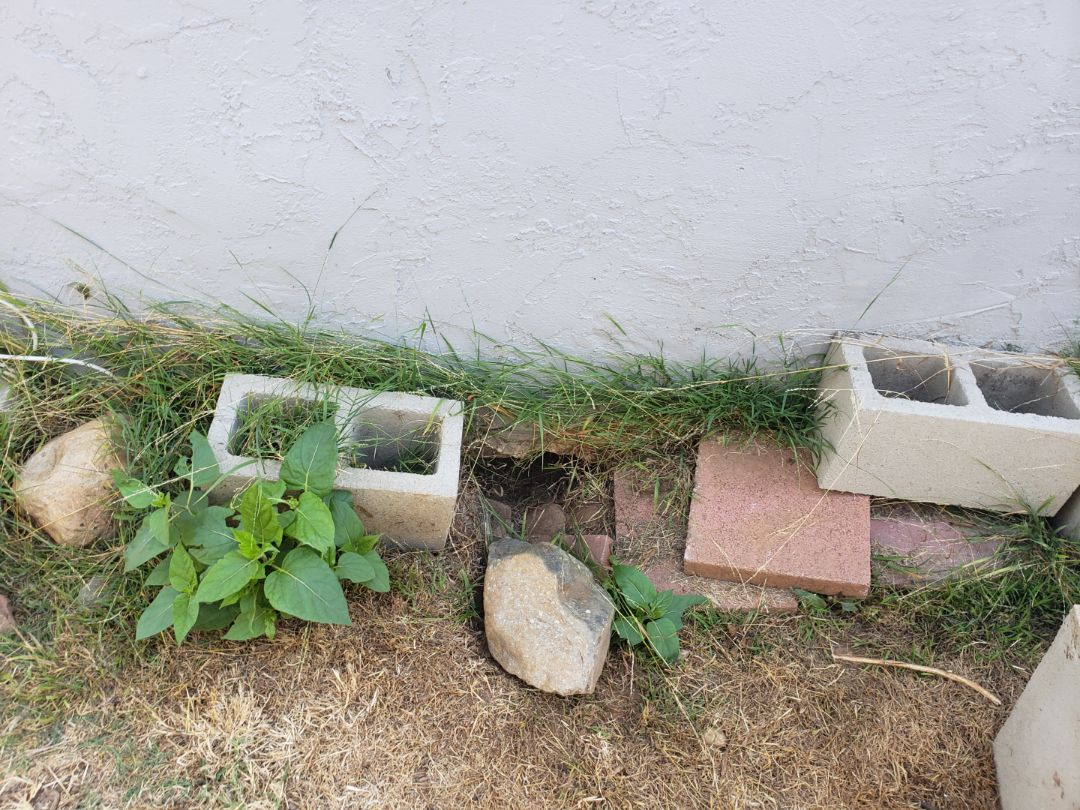 National City, CA - 117 Old house without a continuous foundation footing.