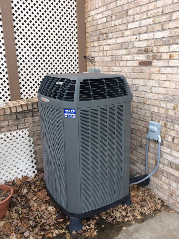 Herrin, IL - Webb's Annual Fall Maintenance on a Trane XL16i Heat Pump System.
