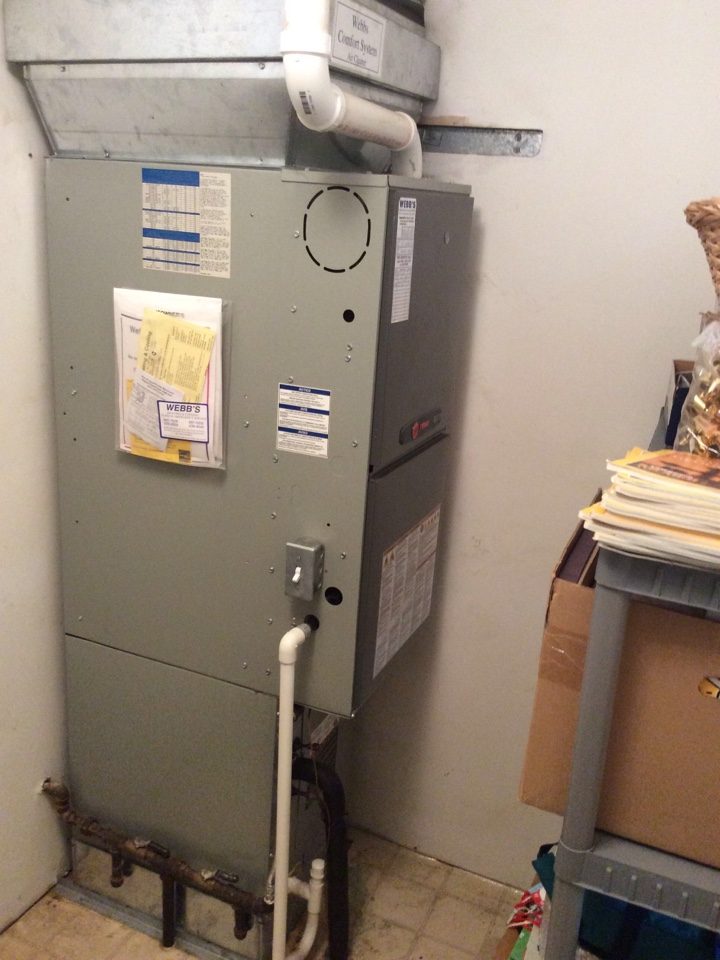 Carbondale, IL - Webb's 25pt Annual Fall Maintenance on a Trane 90% Gas Furnace.