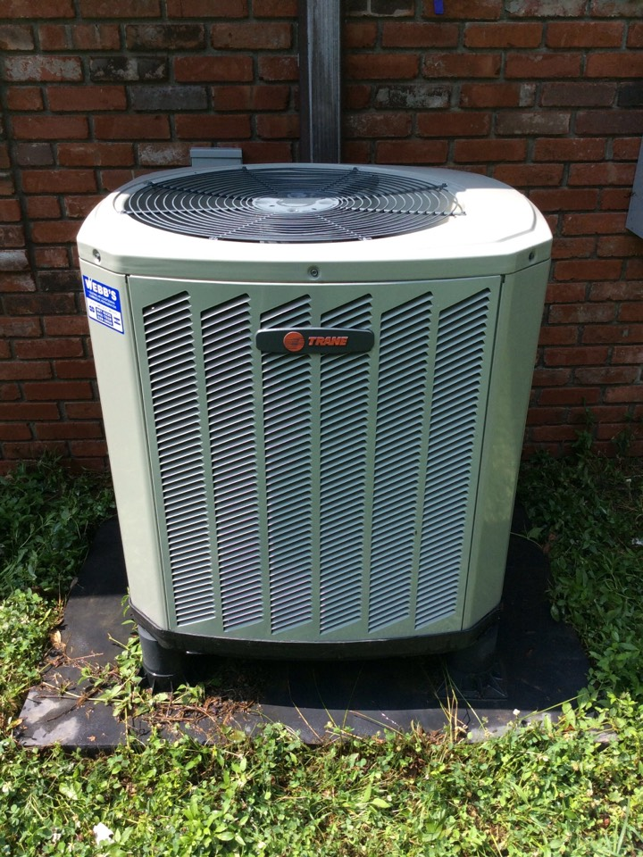 Du Quoin, IL - Webb's Annual Fall Maintenance on a Trane Heat Pump System.