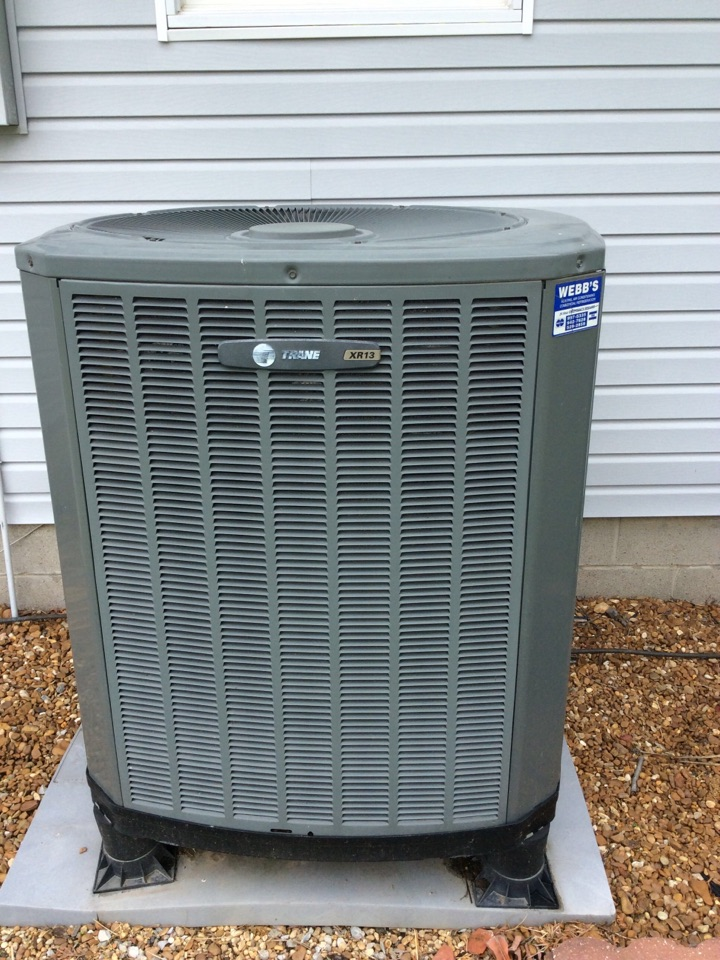 Marion, IL - Webb's 25pt Annual Fall Maintenance on a Trane XR 13 Heat Pump System.