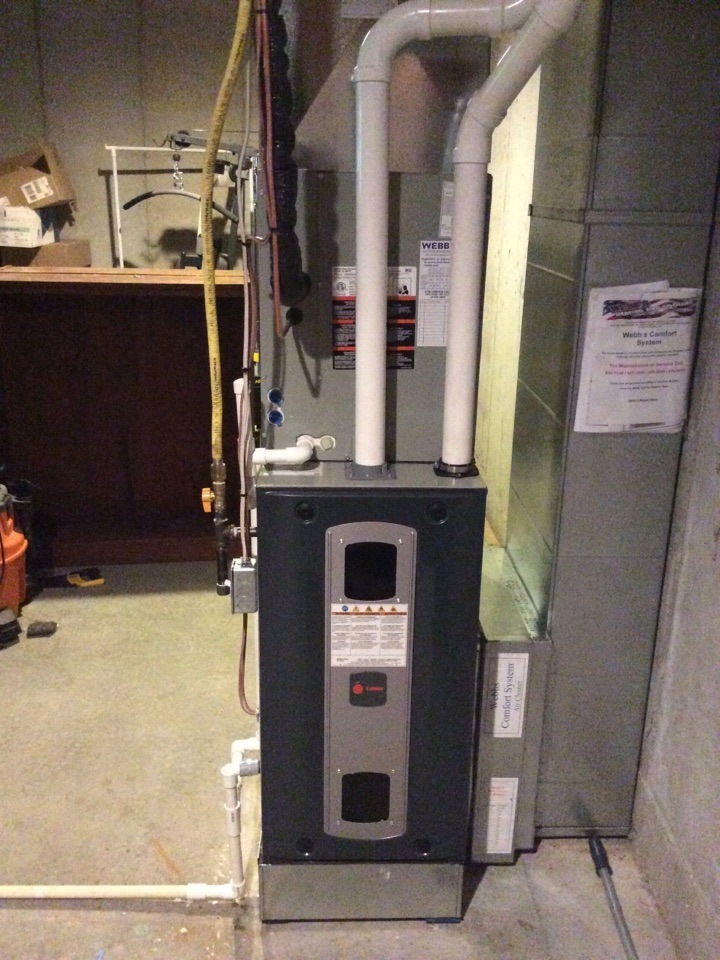 Carbondale, IL - Webb's 25pt Annual Fall Maintenance on a Trane XL16 Heat Pump system and a Trane 90% Gas Furnace System.